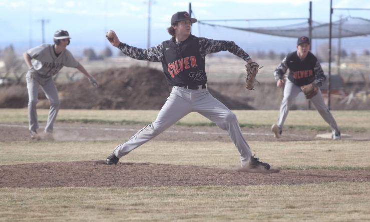 Jordan Bender pitching web.jpg
